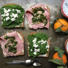A Sandwich Where Scattered Ingredients Find a Home