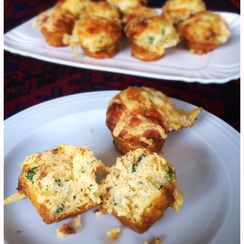 Gorgeous Tiny Cheese Muffins