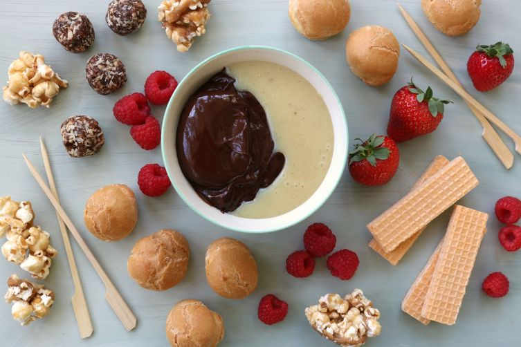 Quick & Easy Dark Chocolate Fondue for Two