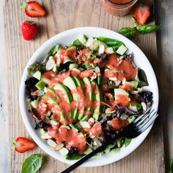 Mixed Greens with Strawberry Herb Dressing