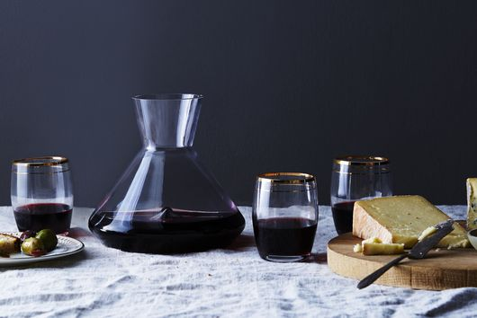 The Best Way to Wash Wine Glasses, According to Wine Pros