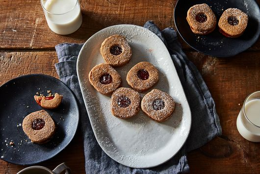 No-Nonsense, Nutty Linzer Cookies That Are Even Better The Next Day