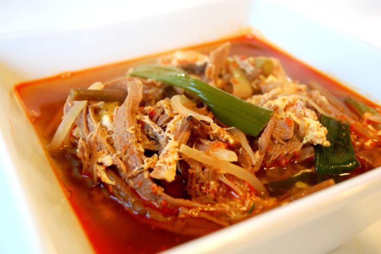 Yuk/Yook Gae Jang 육개장 – Spicy Korean Beef Soup