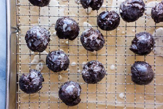 How to Make Homemade Chocolate Munchkins