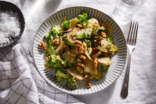 Broccoli Salad With Pesto, Apples & Walnuts