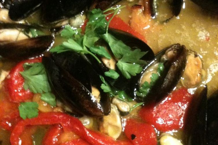 Cozze con I peperoni (Black Mussels with Red and Yellow peppers)