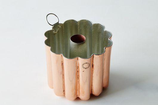 """Vintage Copper English """"Jones Bros"""" Bundt Mold, Mid 19th Century"""