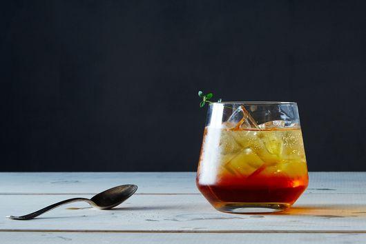 Sunburned? Bathe in These 9 Cooling, Tea-Based Recipes