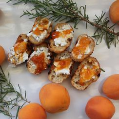 Herbed Goat Cheese and Jam Crostini