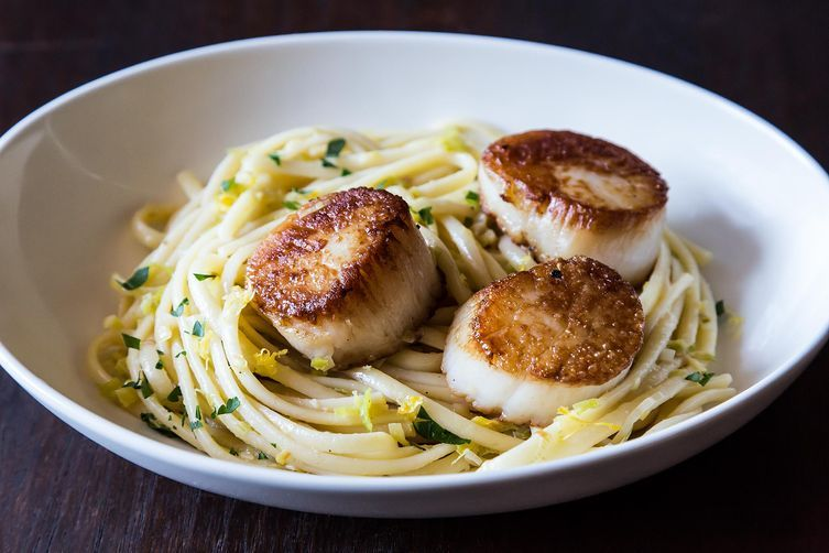 Simple pasta with scallops from Food52