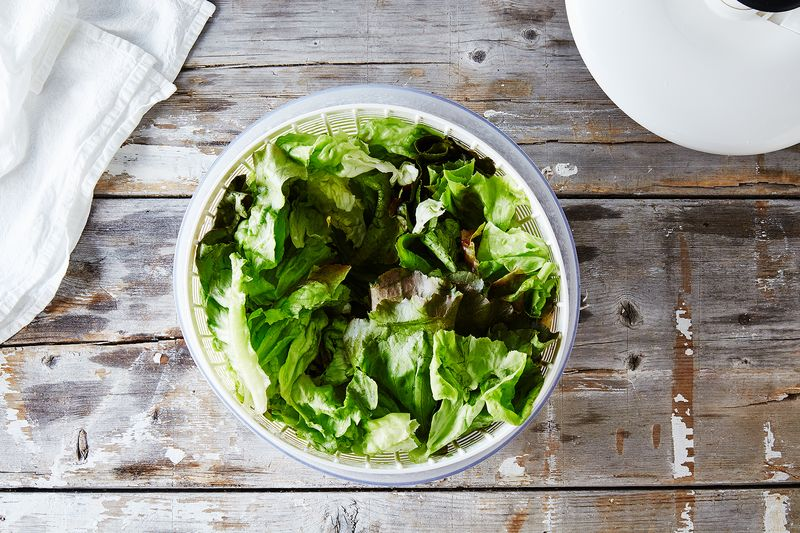 The Best Way To Store Lettuces & Other Greens (A Controversial Method)