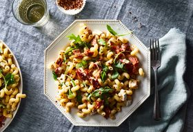 78680cd7 cdc3 4ea7 bed2 6a1a56cafc76  2018 0206 cavatappi with sun dried tomatoes brie and arugula 3x2 julia gartland 4438