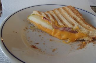 A4164be7 5da6 4de2 9dbd 64fecda6d7e1  grilled cheese 026