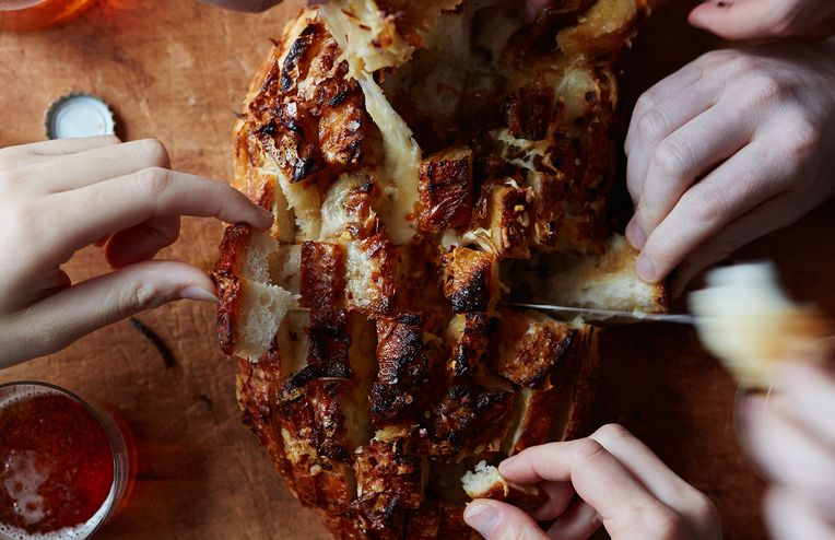 The Best [Any Occasion Whatsoever] Cheesy, Bready Appetizer