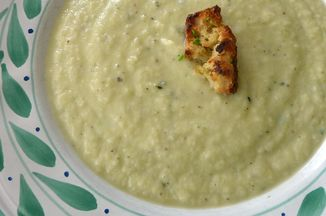 80c1ddcf 0230 4464 ae3f dccebe7734a4  leek cauliflower soup medium