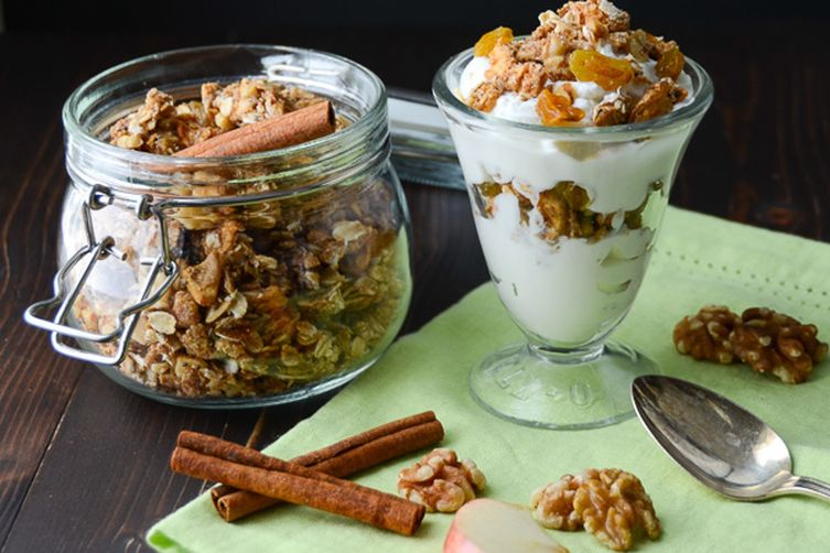 apple walnut spice granola
