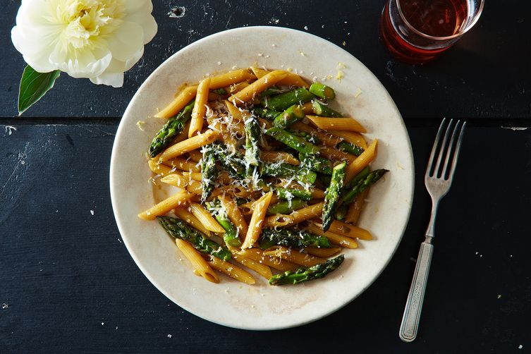 Risotto-Style Pasta with Asparagus and Lemon