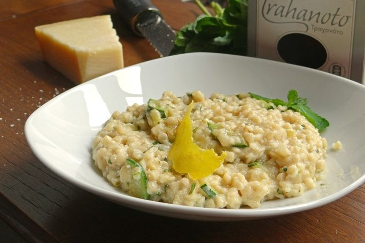 Trahanoto with courgettes (zucchini) and ricotta