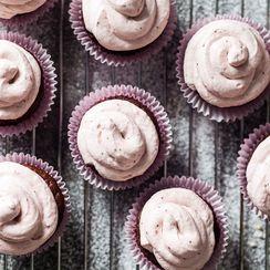Strawberry Cream Cacao Cupcakes