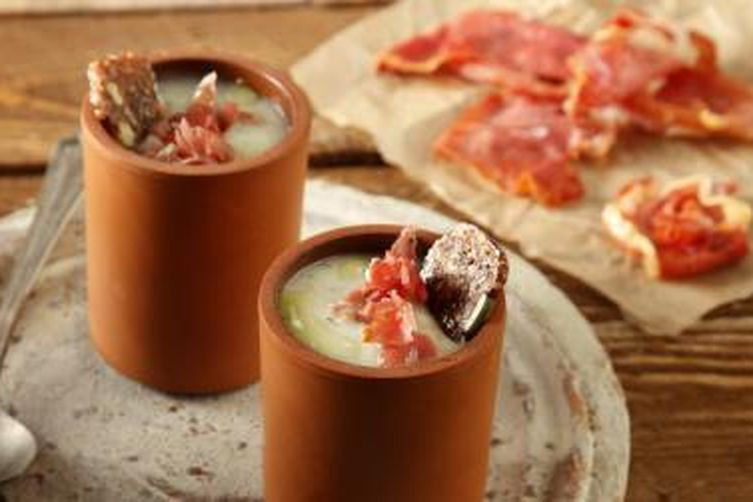 Celeriac soup with apple and crispy prosciutto