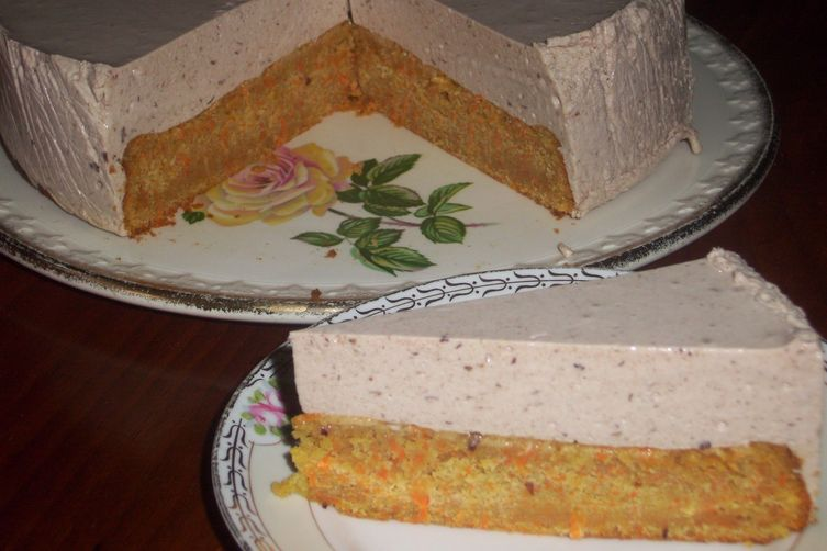 Carrot cake with yogurt topping