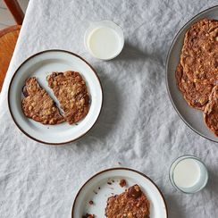 9 Ways to Pair Cookies with Beer (Because Who Needs Milk?)