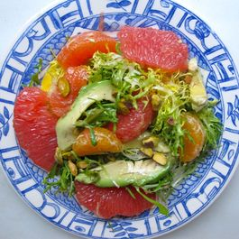 5a657786-e24f-446e-9f03-8b7b744be9a1.mixed_citrus_avocado_salad_plate