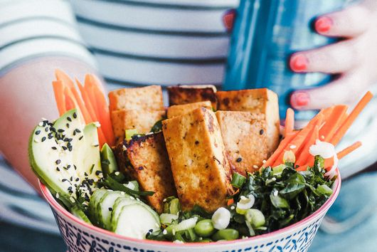 Buddha bowl with grilled tofu and gluten-free white beer