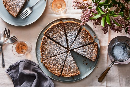 This 3-Ingredient Flourless Cake Is Totally Nuts