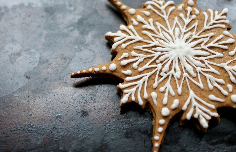 How to Decorate Gingerbread Cookies to Win You the Swap