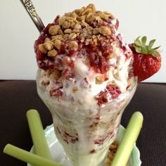 Strawberry Rhubarb Crumble Parfait