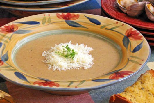 Garlic Bread Soup with Clams