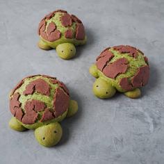 Dutch Crunch Update: We Have a Matcha Dutch Crunch