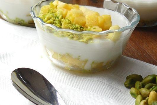 Mango and pistachio muhallebi