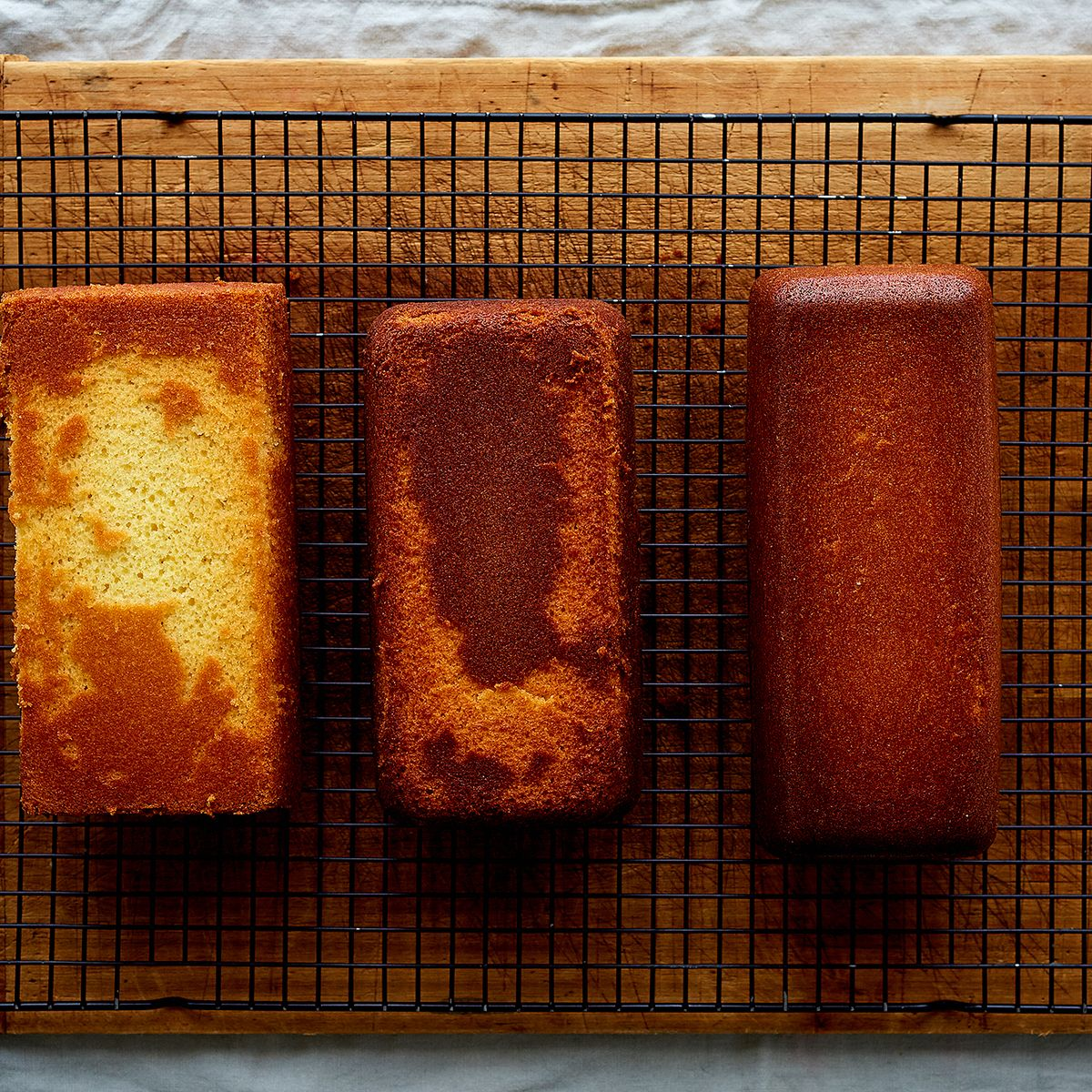 How The Material Of Your Cake Pan Affects Baking