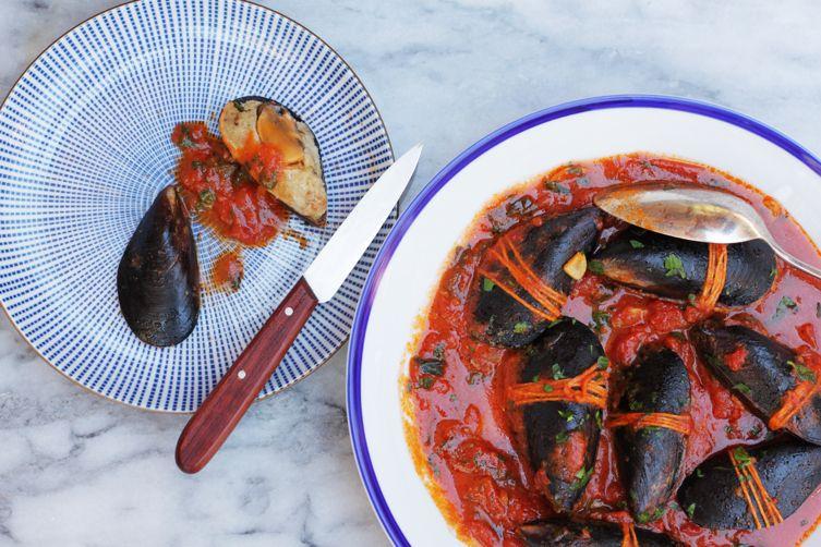 Stuffed Mussels in Tomato Sauce (Cozze Ripiene)