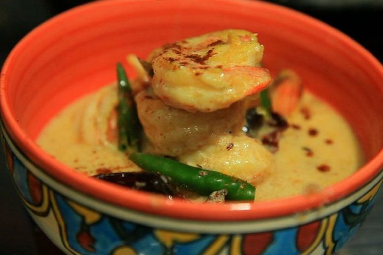 Chingri Macher Malaikari (Bengali Prawn Curry)