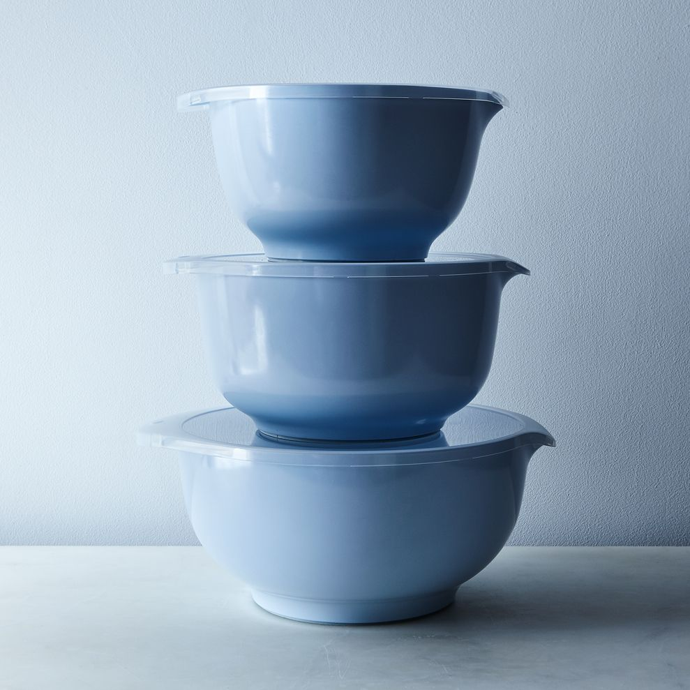 18d28b6c 22cc 4daa b034 a06329356e51  2017 0321 rosti mepal margrethe nested mixing bowls and specialty lids large retro blue bowls with plain lids set of 3 silo rocky luten 0765