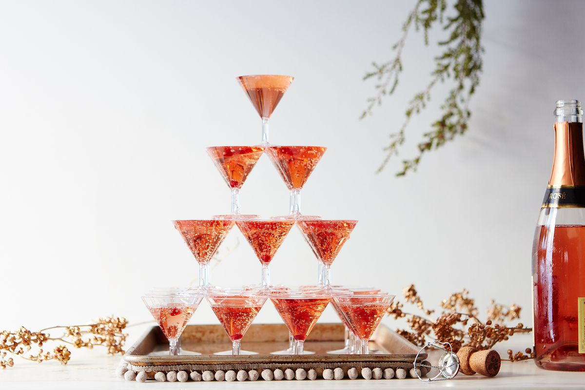 How To Diy A Champagne Tower For The Flashiest New Year S Ever