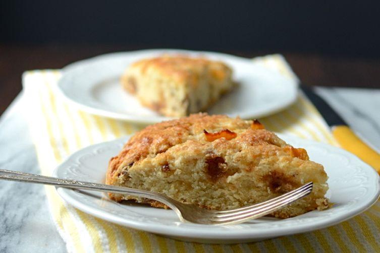 Peach praline scones