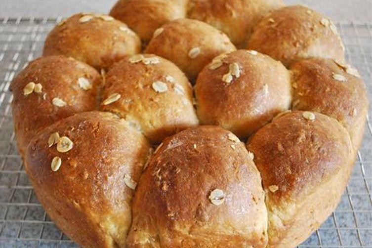 Heavenly Oatmeal-Molasses Rolls Recipe on Food52