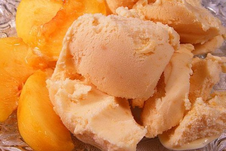 Deluxe Peach Ice Cream