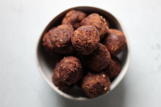 Cacao Pecans Energy Bites