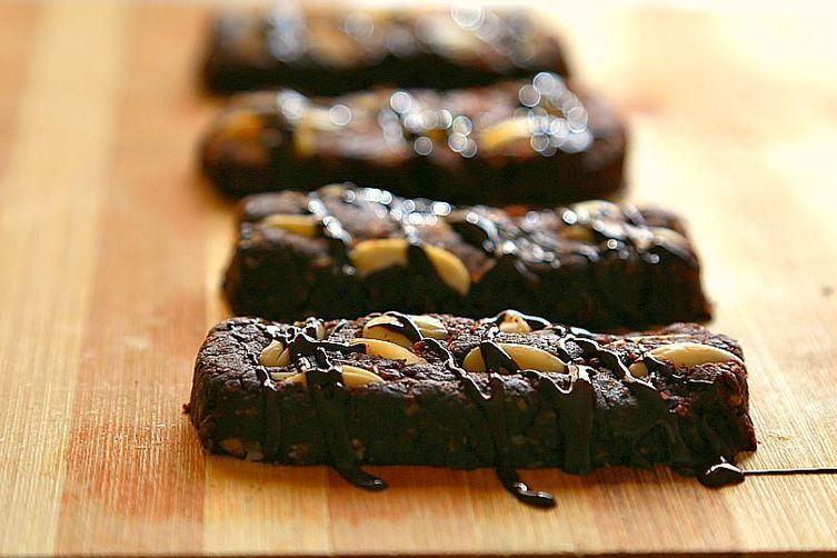 No-bake Spicy chocolate bars