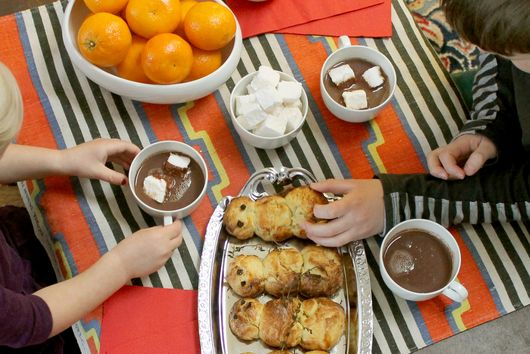 Hosting a Hot Chocolate and Brioche Snowman Party