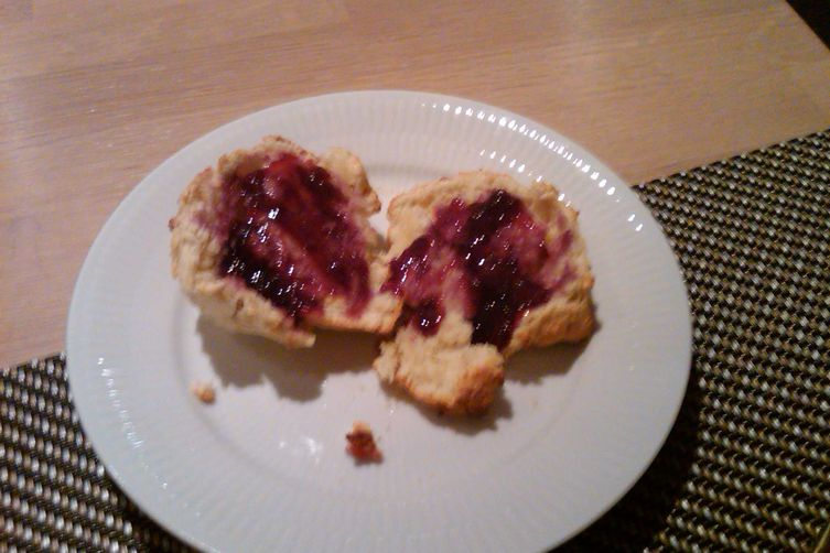 Sour Milk/Filmjolk Scones