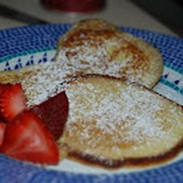 Melt-in-your-Mouth Sour Cream Pancakes