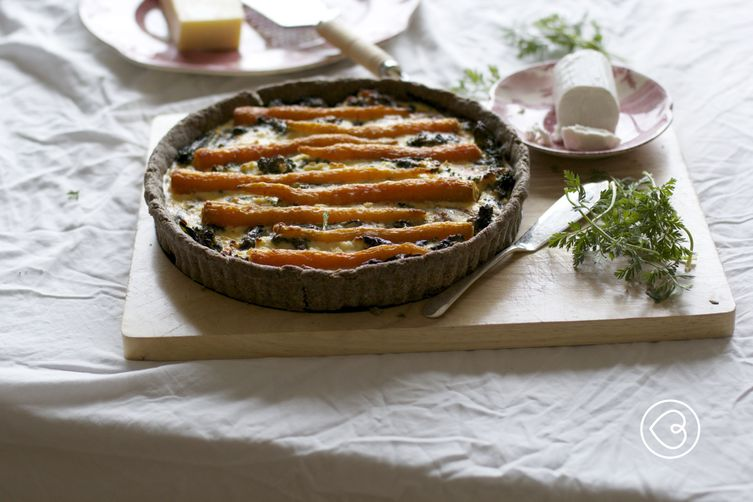 Buckwheat tart with kale, Duch carrots and chèvre