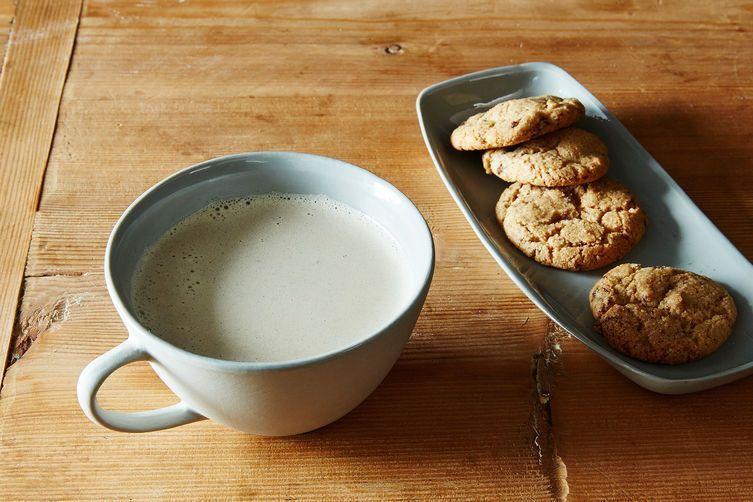 A creamy cashew milk latte.