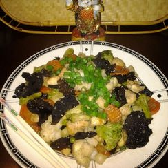 Easy Chinese 5-Spice Chicken with Black Wood-Ear Mushrooms